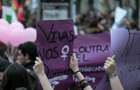Frauen gehen am 8. März auf die Straße.