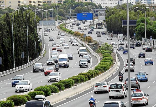 Blick auf eine Mallorca-Autobahn.