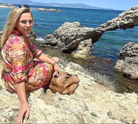 Andrea Grießmann an der Costa Brava.