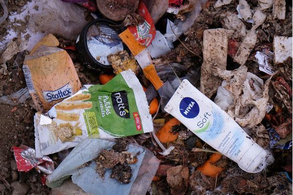 Verschiedener Plastikmüll findet sich an den Ständen Mallorcas.