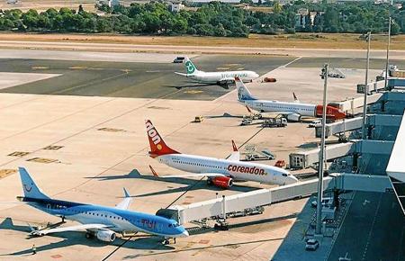Im Sommer haben die Kontrolleure am Airport von Palma gut zu tun.