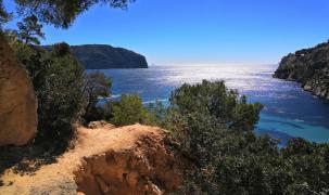 Anja und Stephan Lohage fotografierten die einsame Bucht von Cala Blanca bei Camp de Mar im März 2019 bei 20 Grad und Sonnensche
