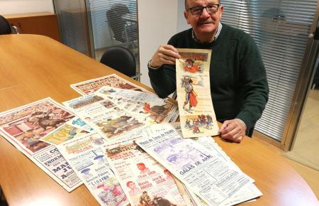Gabriel Alomar mit einem kleinen Teil seiner Sammlung.