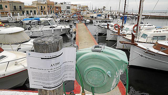 Räumungsbescheid im Hafen El Molinar auf Mallorca.
