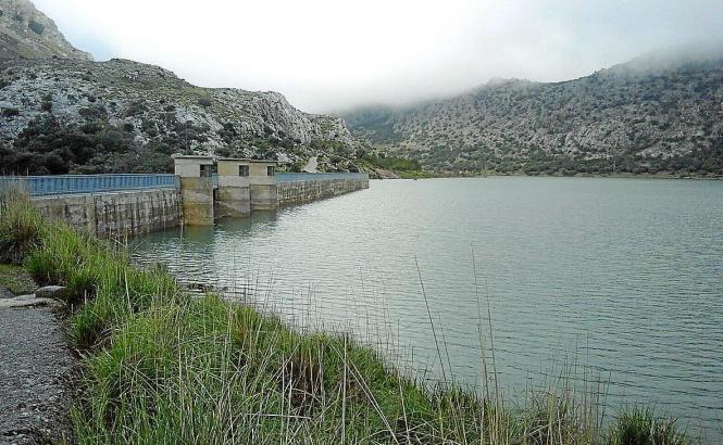 Der Regenmangel hat die Stauseen in diesem Jahr schrumpfen lassen.