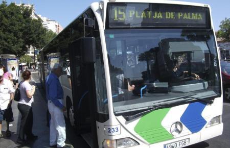 Die Ballermann-Linie schlechthin: Bus der Linie 15.