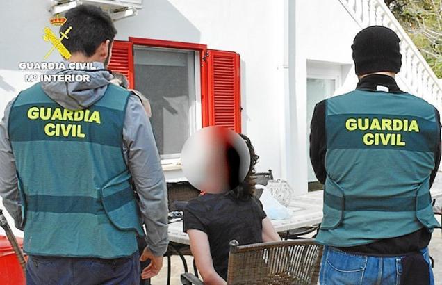 Michael L.S. bei seiner Festnahme durch die Guardia Civil auf Mallorca.