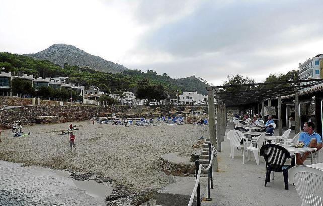 Um Strandbebauung in erster Meereslinie wie hier am Hotel Molins im Norden Mallorcas wird seit Jahren gestritten.