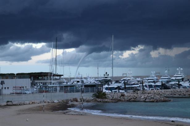 Die Windhose war 20 Minuten über der Bucht von Palma zu sehen.