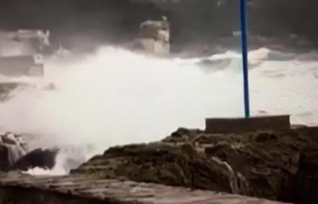 Dieses Video wurde von MM-Freund David Petermeier auf der Facebook-Seite des Mallorca Magazin veröffentlicht. Es zeigt den stürm