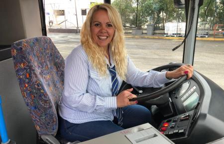 Patricia Montoya sitzt seit zehn Jahren am Steuer von Stadtbussen.