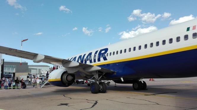 Blick auf ein Ryanair-Flugzeug.