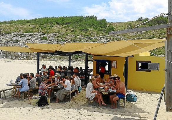 Blick auf das umstrittene Strandlokal.