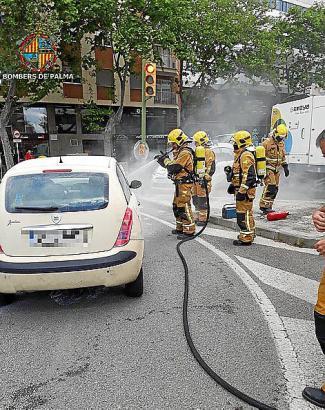 Fahrzeugbrand in Palma de Mallorca.