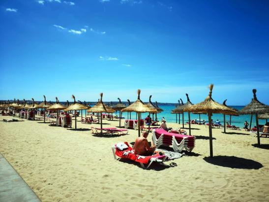 Alles in Ordnung an der Playa de Palma auf der Höhe von Arenal.