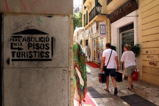 Obwohl das neue Tourismusgesetz seit 2018 die Ferienvermietung auf Mallorca mit einem Zonenplan regelt, werden rund 30 Prozent d