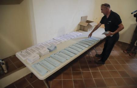Mehr als 819.000 Bürger sind am Sonntag zur Wahl aufgerufen.