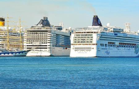 An vier Tagen in der Hochsaison wird's voll im Hafen von Palma.