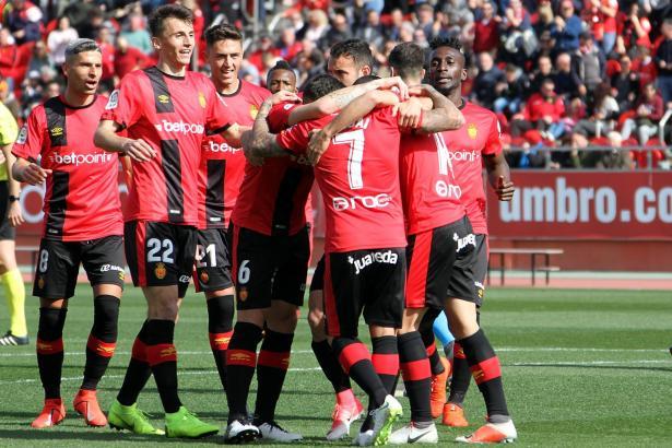 So wie hier im Spiel gegen Lugo wollen die Real-Mallorca-Kicker auch am Ende der Saison jubeln.