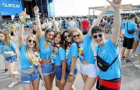 Die jungen Festlandsspanier haben ihren Spaß auf Mallorca.