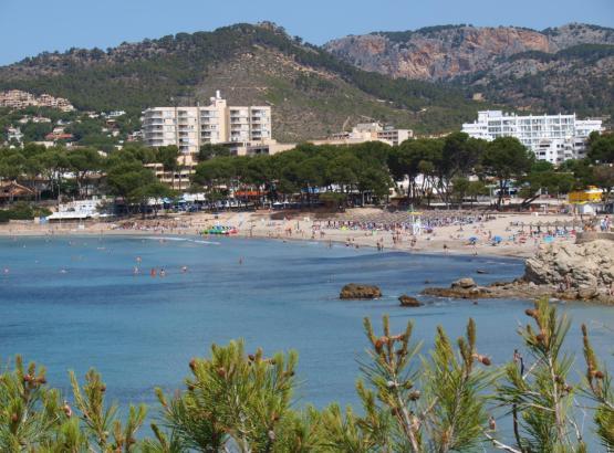 Am Strand wie hier in Costa de la Calma kommt noch nicht eine so richtig mollige Stimmung auf.