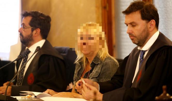 Die Angeklagte vor Gericht auf Mallorca.