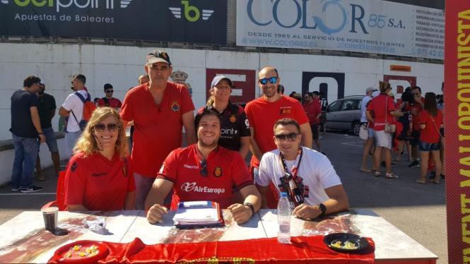 Die Schiffsreise zum Spiel von Real Mallorca wurde von Fanclub-Aktivisten mitorganisiert.
