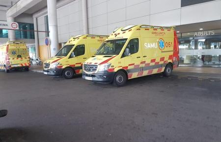 Das schwer verletzte Opfer und ein weiterer Insasse des Wagens werden in Palmas Universitätskrankenhaus Son Espases behandelt.