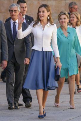 Königin Letizia kennt die Insel von diversen Terminen.