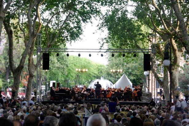 Mit einer Open-Air-Veranstaltung auf dem Borne beginnt am Donnerstag eine Reihe von Sommerkonzerten.