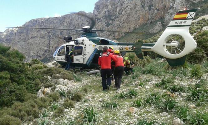 Der Radfahrer musste mit einem Helikopter aus dem schwer zugänglichen Gelände gerettet werden.