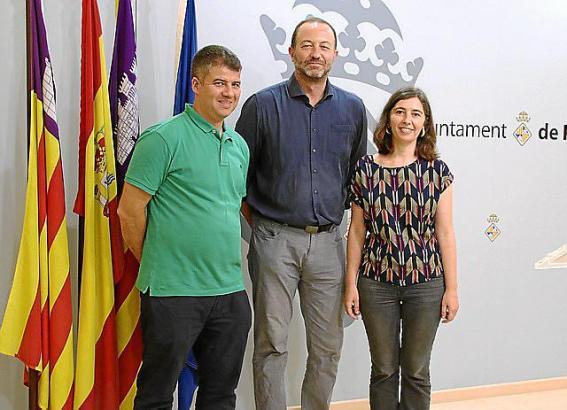 Die Lokalpolitiker Josep Maria Rigo, Biel Horrach und Neus Truyol (von links).