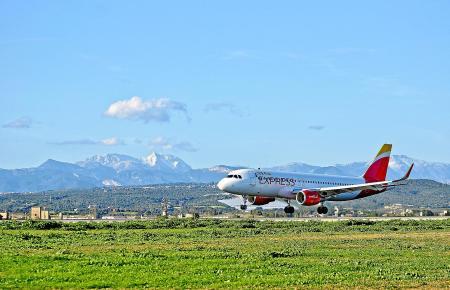 Warum dauert das so lange, fragen sich viele Fluggäste biem Anflug auf Palma.