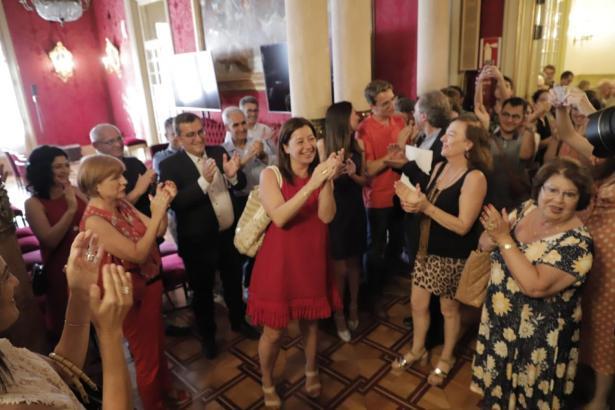Applaus für Mallorca-Politikerin Francina Armengol.