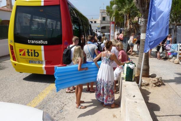 Shuttle-Bus in Sa Ràpita.