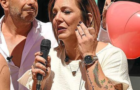"""Daniela Büchner bei der Wiedereröffnung der """"Faneteria"""" am 1. Mai in Cala Millor."""