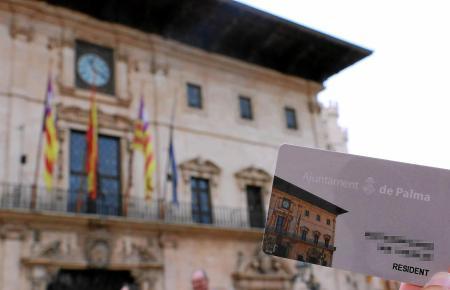 Auf der Karte ist das Rathaus von Palma abgebildet.