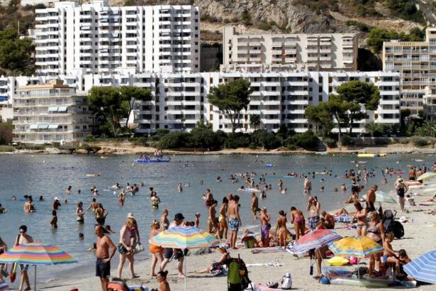 Blick auf den Strand von Santa Ponça.