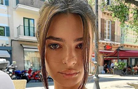 """Die US-Schauspielerin speiste unter anderem am Plaça del Mercat in Palma und kommentierte das Foto mit den Worten """"Guten Morgen"""