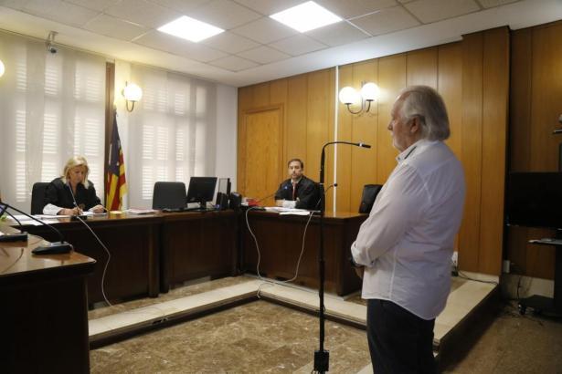 Mallorcas Nachtclubkönig Bartolomé Cursach vor Gericht.