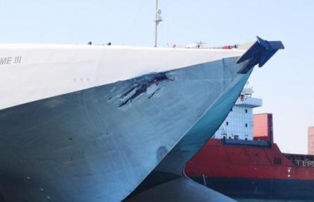 """Die """"Jaume III"""" von Balearia wurde am Freitagmorgen bei einer Kollision mit einer anderen Fähre am Bug getroffen. Die genaue Höh"""