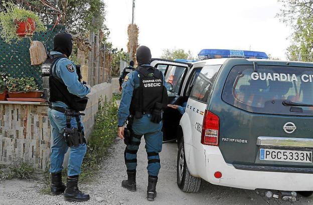 Ermittler der Guardia Civil im Einsatz.