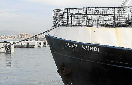 """Die """"Alan Kurdi"""" im Hafen von Palma."""