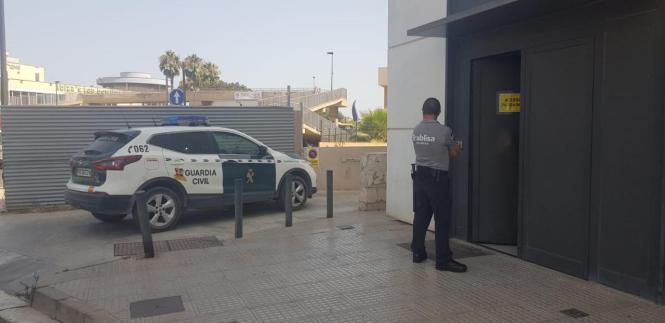 Blick auf ein Fahrzeug der Guardia Civil.