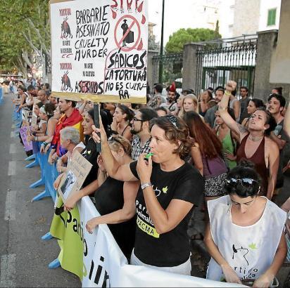 Eine Protestaktion von Stierkampfgegnern 2016.