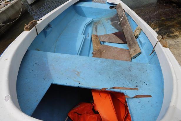 """Das Boot, """"patera"""" genannt, mit dem illegale Einwanderer aus Algerien am Donnerstag an der Küste von Llucmajor angelegt hatten."""