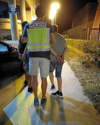 Nationalpolizist im Einsatz an der Playa de Palma.