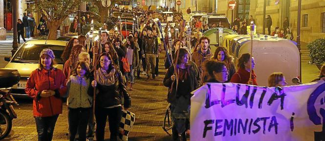 Protestierende Frauen in Palma.