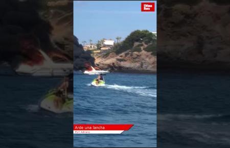 Ein Boot hatte am Dienstagvormittag im Hafen von Port Adriano Feuer gefangen.