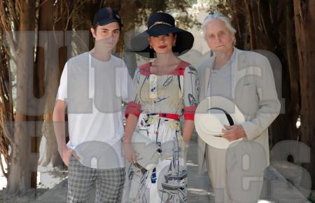 Michael Douglas jüngst in Valldemossa mit Frau und Sohn.